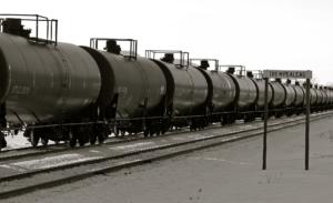 Pipeline_on_rails,_Trempealeau_Wisconsin_(12859842853)
